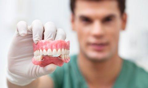 Как устранить недостатки своих зубов?