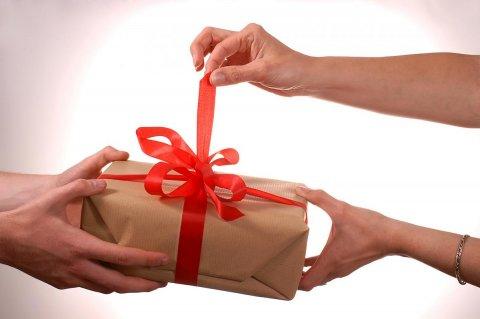 Что подарить на 8 Марта женщине, у которой все есть?